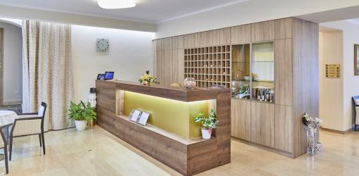 Rezeption des Hotels Centrum Franzensbad
