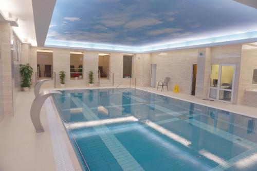 Schwimmbecken im Hotel Vltava