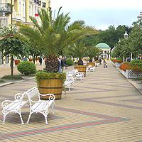 Schöne Kur-Promenade in Franzensbad