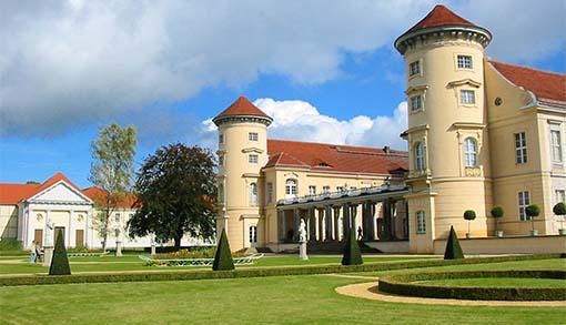 Schloss Rheinsberg von der Landseite aus
