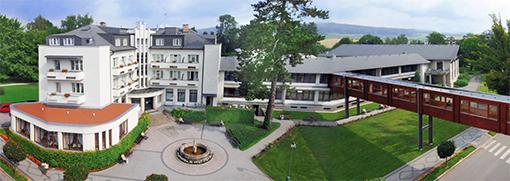 Hotel Grand mit Durchgang zum Haus Anna Marie