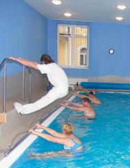 Heilgynastik im Schwimmbecken Hotel Palace Franzensbad