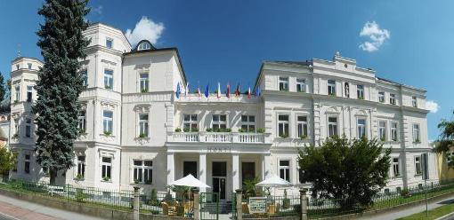 Hotel Monti Spa schräg gegenüber