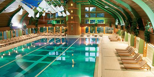 Schwimmhalle im Hotel Carbona Hévíz