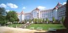 Das Kurhotel Imperial Spa steht erhöht über der Kurstadt Karlsbad