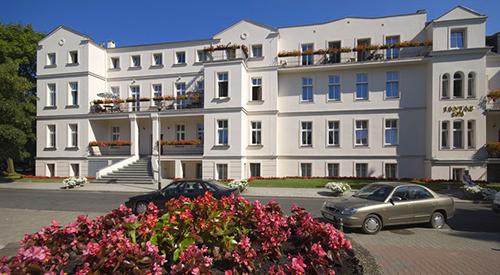 Vorderansicht Jantar Hotel & Spa Kolberg