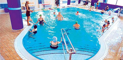 Schwimmbad im Hotel Baltyk