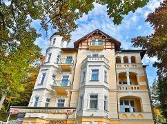 Marienbader Villa Regent von vorn