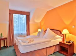 Zimmer-Wohnbeiypiel der Villa Regent