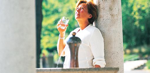 Heilwasser aus der Behringer Quelle in Bad Suderode wird auch als Trinkkur verwendet
