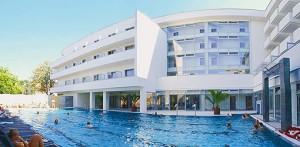 Außen-Schwimmbad am Kurhotel Veľká Fatrá Turčianske Teplice