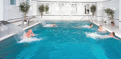 Schwimmbecken im Spa-Hotel Vltava