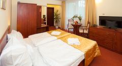 Klinika Mlodosci Blick in ein Doppelzimmer