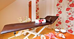 Bick in einen Wellnessraum der Villa Rezydent