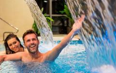 Spaß im Hotel-Leda-Schwimmbad
