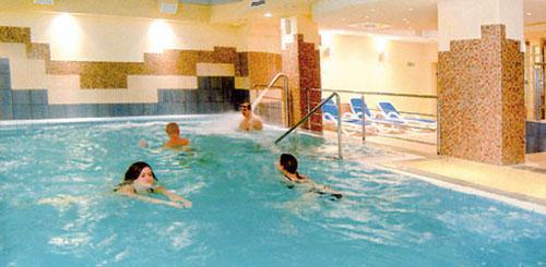 Schwimmen im Hotel Ikar Plaza Kolberg