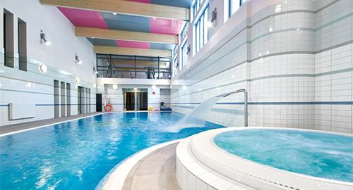 Schwimmbecken im Kurhaus Rybniczanka
