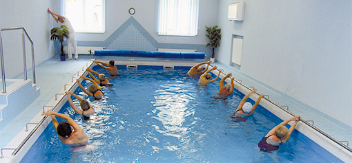 Wasser-Gymnastik im Franzensbader Kurhaus Palace