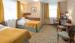 2-Bett-Zimmer mit auseinander stehenden Betten