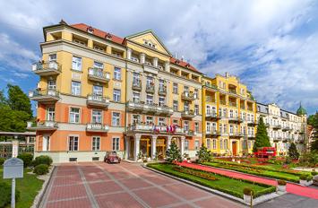 Hauptgebäude des Hotels Pawlik-Aquaforum