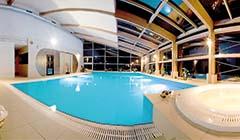 Blick zum Magnat-Spa-Schwimmbad