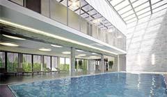 Schwimmbecken des Hotels admiral