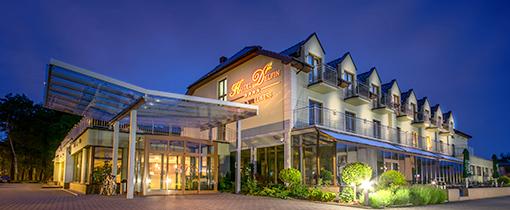 Nachtbild Hotel Delfin Dabki