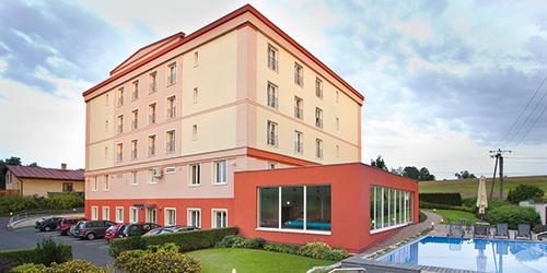 Hotel Francis Palace und Außenpool