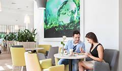 Paar im Café des Hotels Kaisers Garten 2