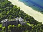 Blick auf die beiden Gebude des Diune Hotel & Resort