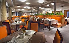 Blick in den Speisesaal des Hotels Reza