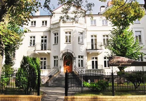Vorderansicht Hotel Maximilian