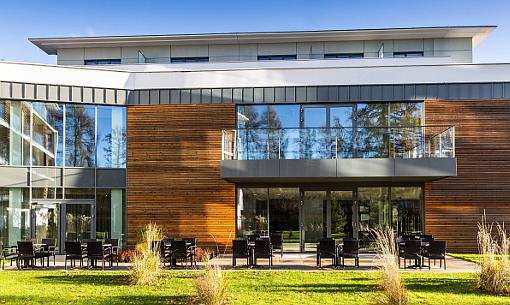 Blick auf das Haupthaus des Kolberger Hotels ProVita
