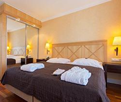 Doppelbett Hotel Vier Jahreszeiten Zingst