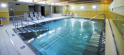 Schwimmbad im Kolberger Hotel Jantar