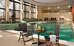 Schwimmbad im Château Monty Spa Resort