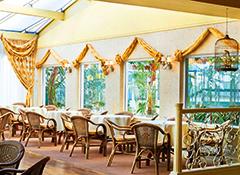 Café im Ferien-Resort Sandra Spa