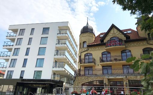Das erste Gebäude des Hotel Trofana mit neuem Anbau links