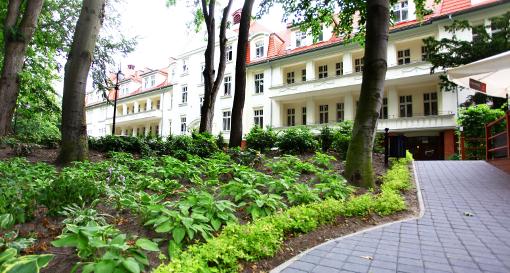 Blick auf das Gebäude 1 des Hotels Kaisers Garten