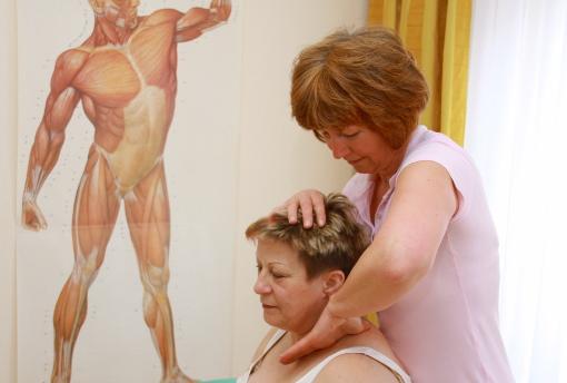 Therapeutische Schultermassage in Bad Muskau
