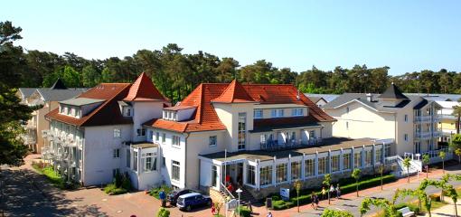 Gesamtansicht des Strandhotels im Ostseebad Baabe