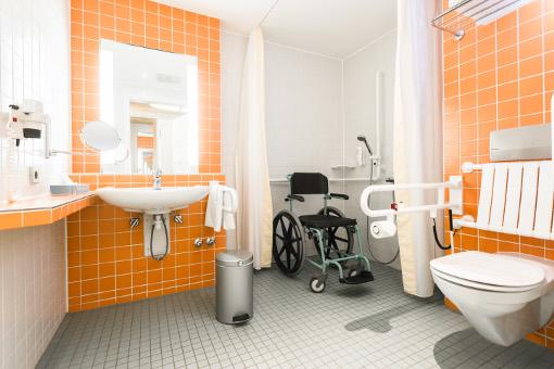 Behindertenfreundlicher WC-Bad-Bereich