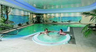 Schwimmbad im Mönchgut Göhren