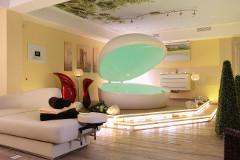 Blicl in einen Wellness-Raum des Mönchgut-Centers