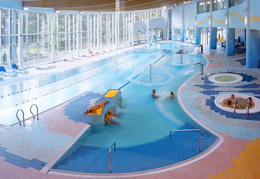 Schwimmnbad im Hotel Senator Kolberger Deep