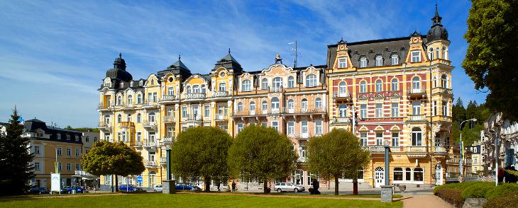 Gesamtansicht des Orea-Spa-Hotels Zvon
