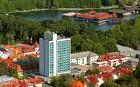 Das Hevizer Hotel Panorama befindet sich nahe dem Thermalseerama