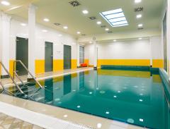 Schwimmbad im Hotel Astoria