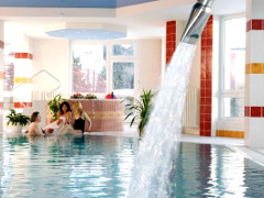 Im Schwimmbad des Kurhotels Royal