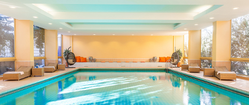 Schwimmbad im relexa-Hotel